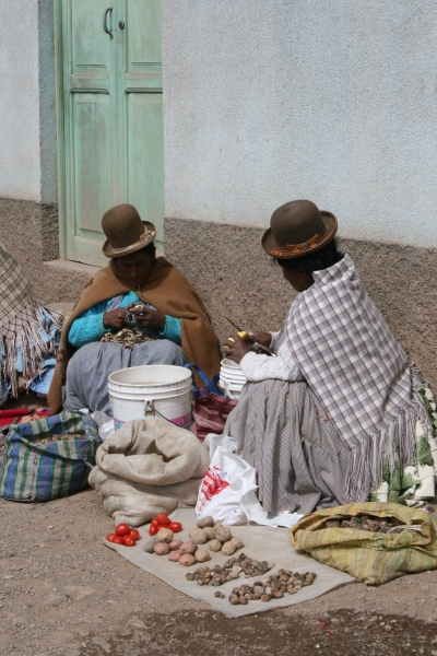 Cholas na rua, 2008 | Maíra Gamarra