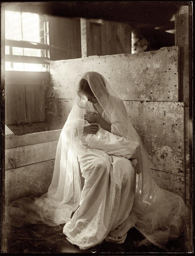 The Manger | Gertrude Käsebier (datada entre 1899 e 1901)