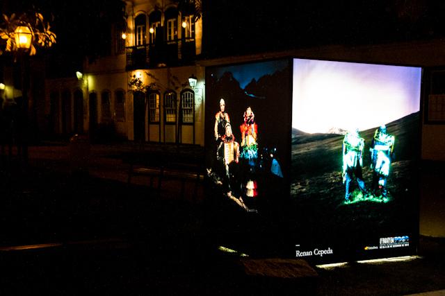 Cubo de Renan Cepeda iluminado | Bella Valle