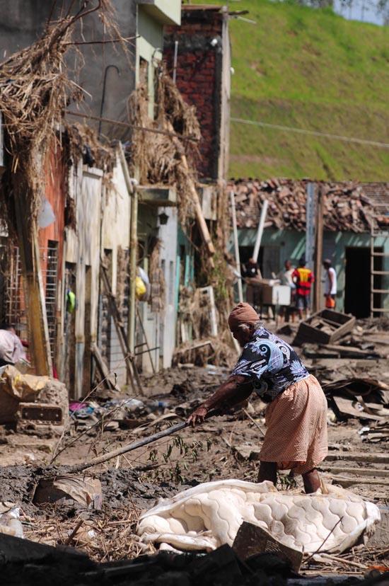 Palmares após a enchente | Hélia Scheppa/JC Imagem